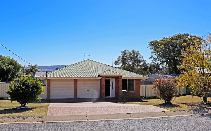 5 Robyn Street, Rosenthal Heights, QLD, 4370 - Image 1