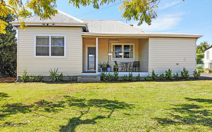 18 High Street, Gunnedah, NSW, 2380 - Image 1