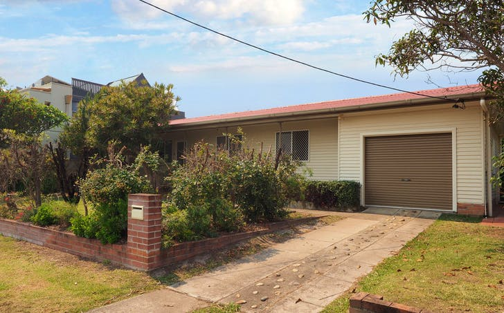 42 Main Street, Crescent Head, NSW, 2440 - Image 1