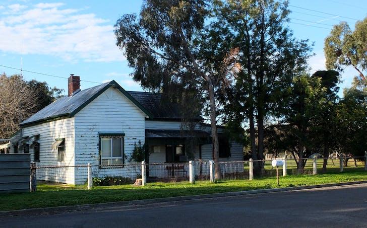 76 Navarre Street, Redbank, VIC, 3477 - Image 1