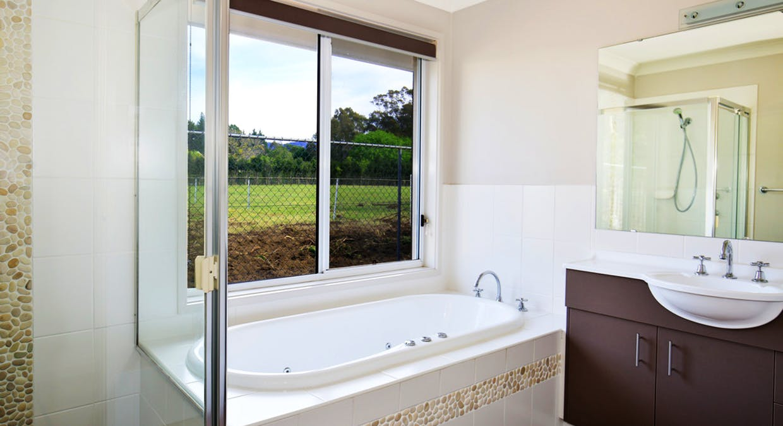 70 Emerald Drive, Meroo Meadow, NSW, 2540 - Image 10