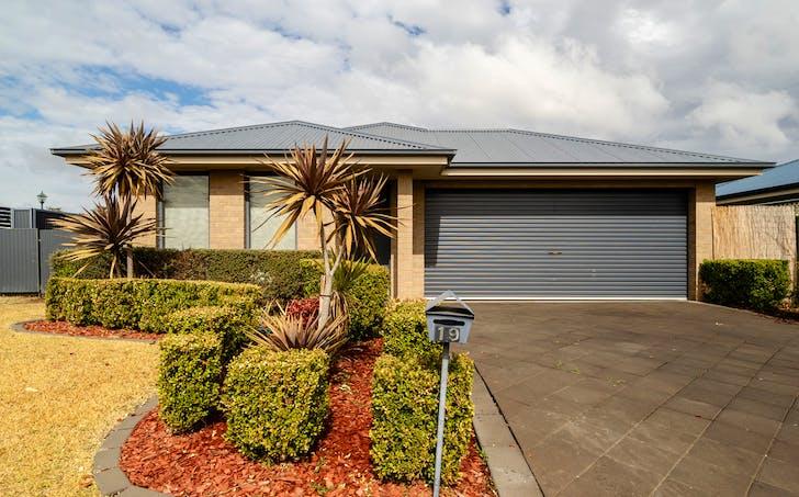19 Torvean Avenue, Dubbo, NSW, 2830 - Image 1