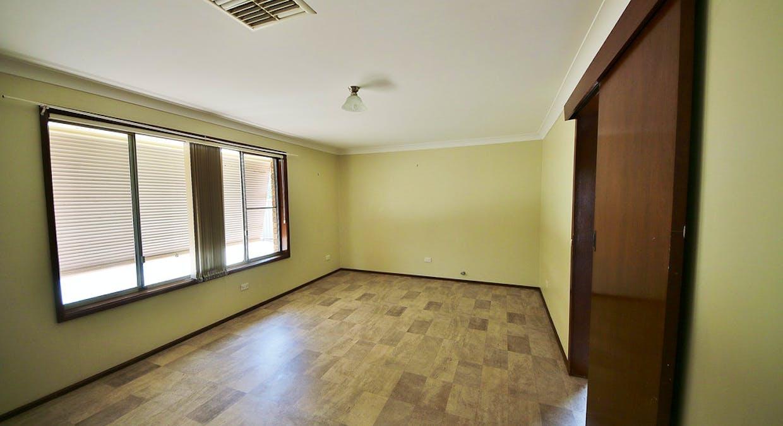 31 Alder Place, Dubbo, NSW, 2830 - Image 2