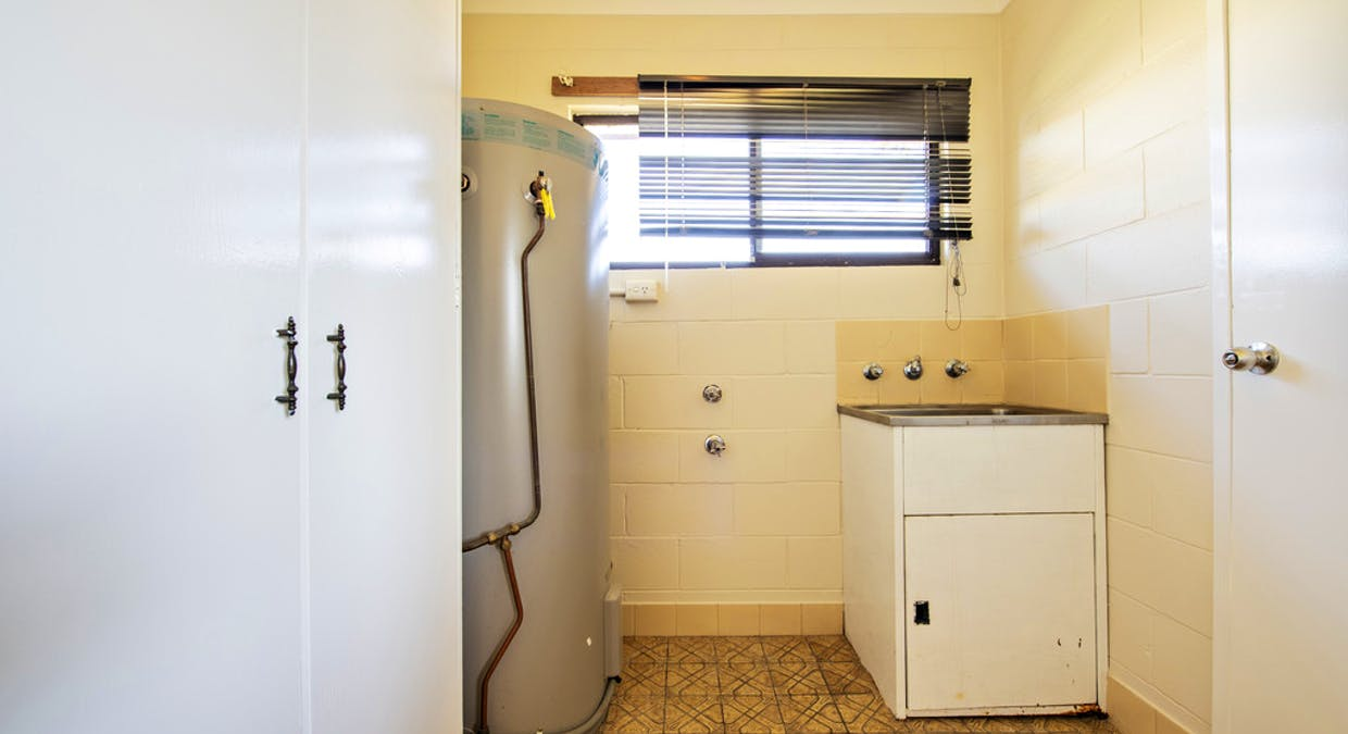 9(a) and (b) Newcombe Court, Dubbo, NSW, 2830 - Image 8
