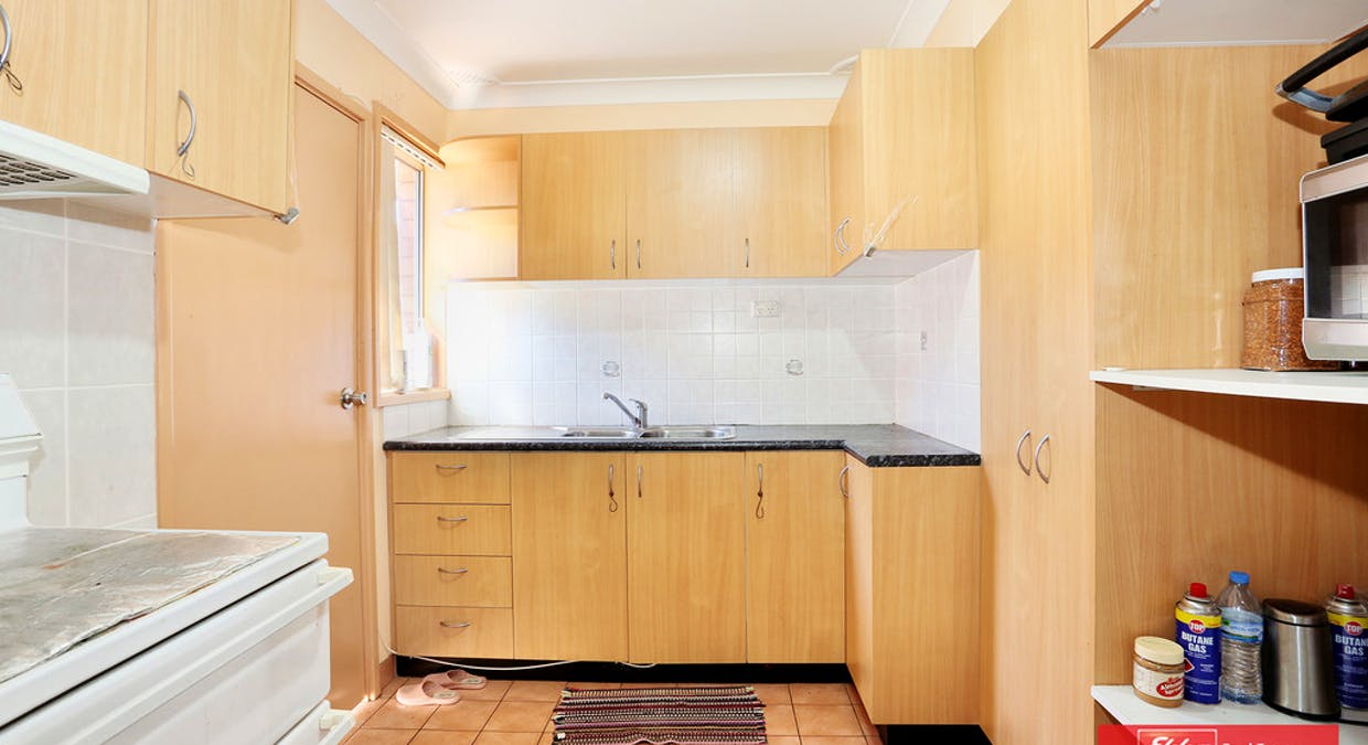 11 Como Place, St Johns Park, NSW, 2176 - Image 3