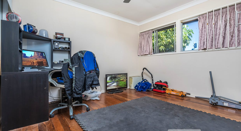 1129 South Pine Rd, Arana Hills, QLD, 4054 - Image 10