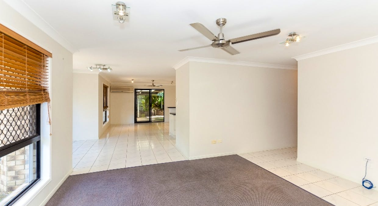 8 Rosemount Place, New Auckland, QLD, 4680 - Image 14