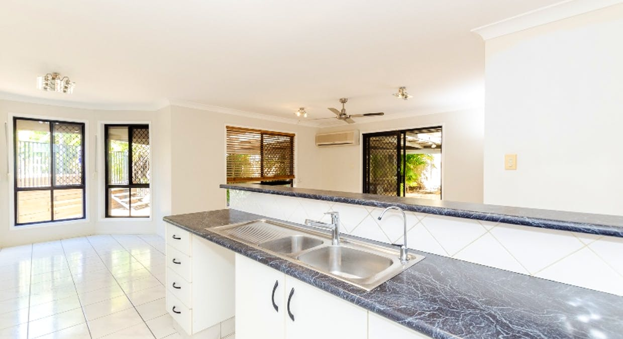 8 Rosemount Place, New Auckland, QLD, 4680 - Image 17