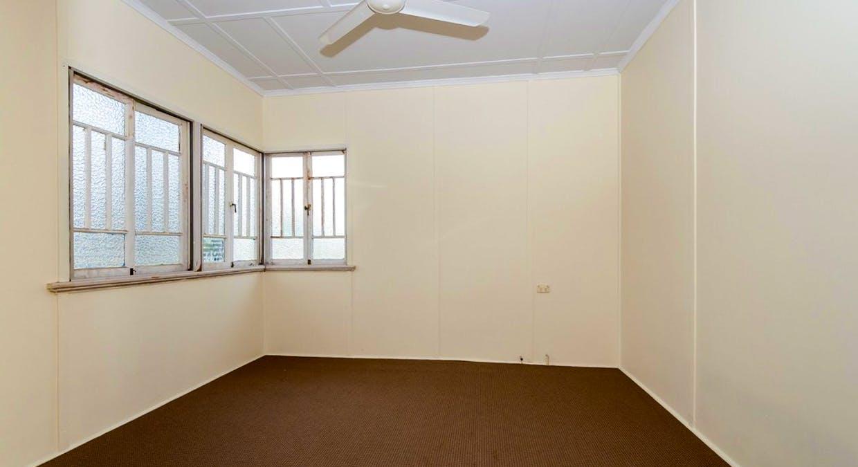25 Boles Street, West Gladstone, QLD, 4680 - Image 5