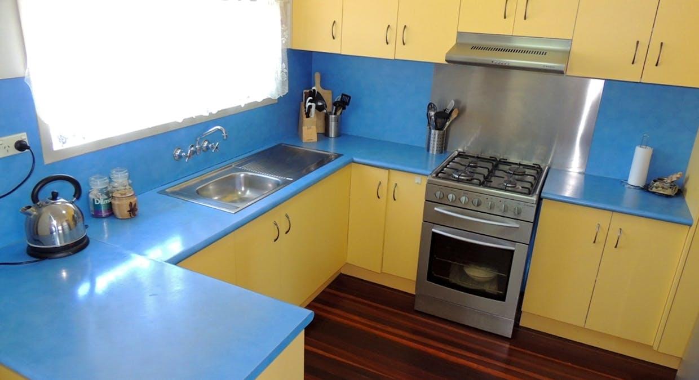8 Marlin Street, Toolooa, QLD, 4680 - Image 3
