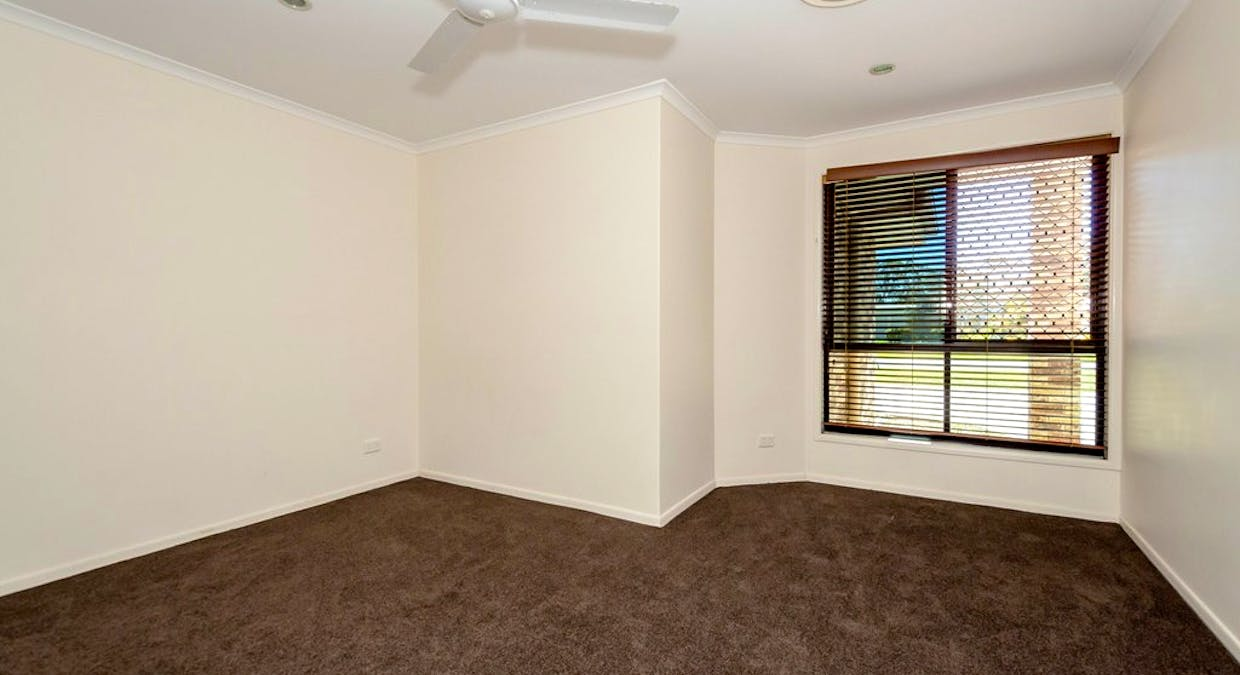 26 Parksville Drive, New Auckland, QLD, 4680 - Image 21