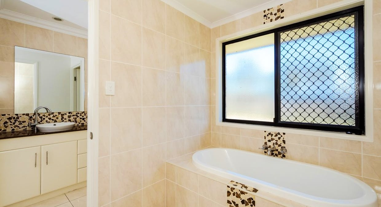 26 Parksville Drive, New Auckland, QLD, 4680 - Image 24