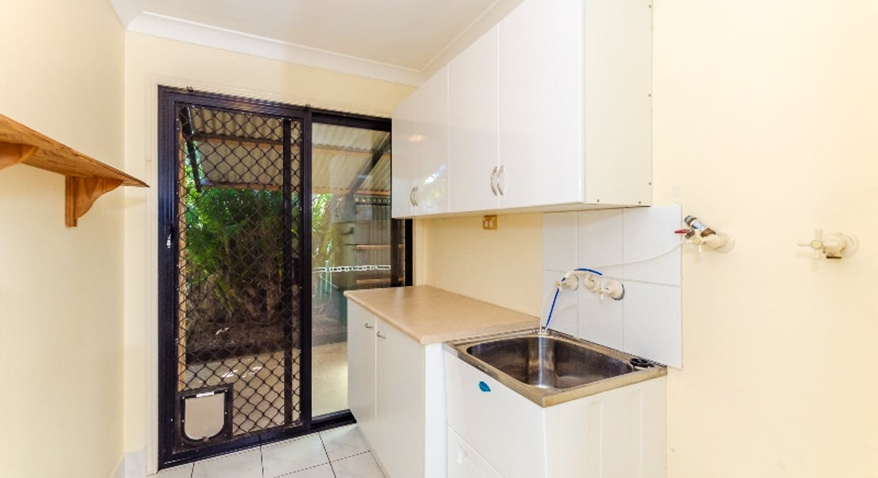 8 Rosemount Place, New Auckland, QLD, 4680 - Image 16