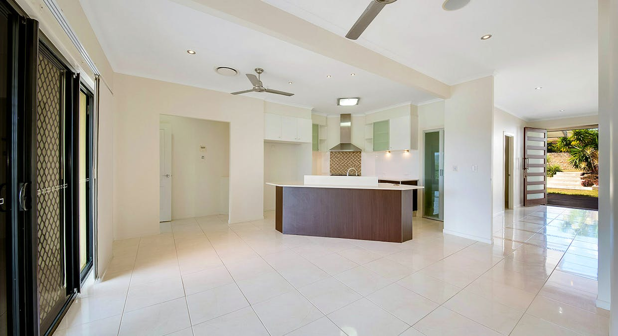 4 Wyara Close, Clinton, QLD, 4680 - Image 3