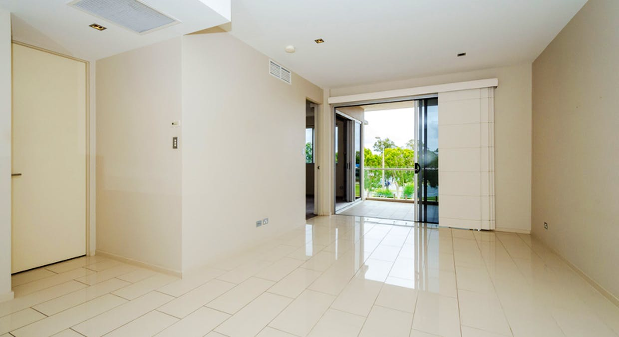 202/35 Lord Street, Gladstone Central, QLD, 4680 - Image 4