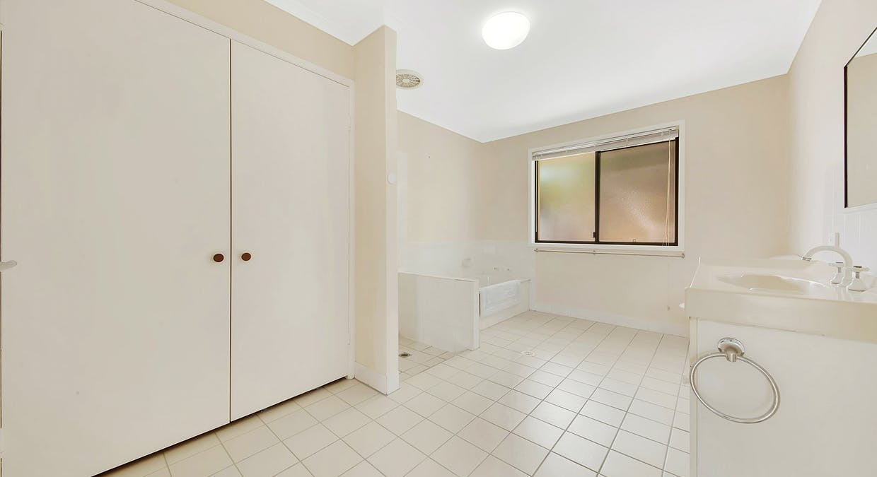 49 Helen Crescent, Wurdong Heights, QLD, 4680 - Image 13