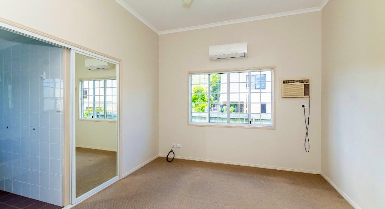 16 Pier Street, South Gladstone, QLD, 4680 - Image 9