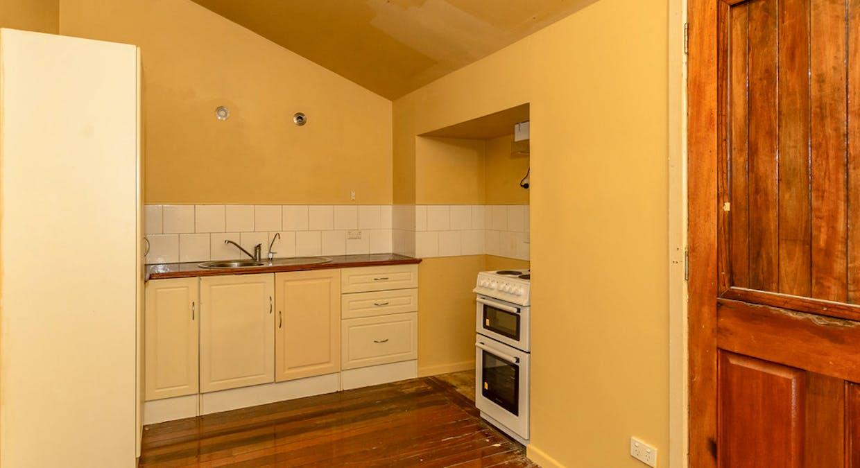 21 Mylne Street, West Gladstone, QLD, 4680 - Image 9