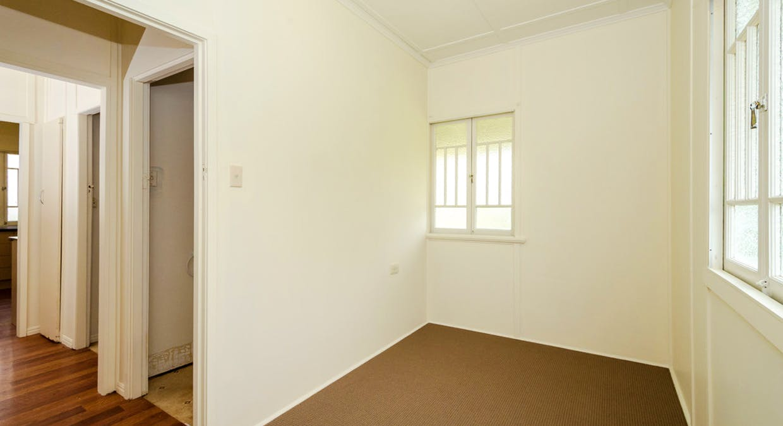 25 Boles Street, West Gladstone, QLD, 4680 - Image 11