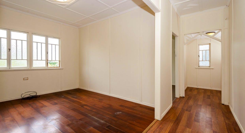 25 Boles Street, West Gladstone, QLD, 4680 - Image 7