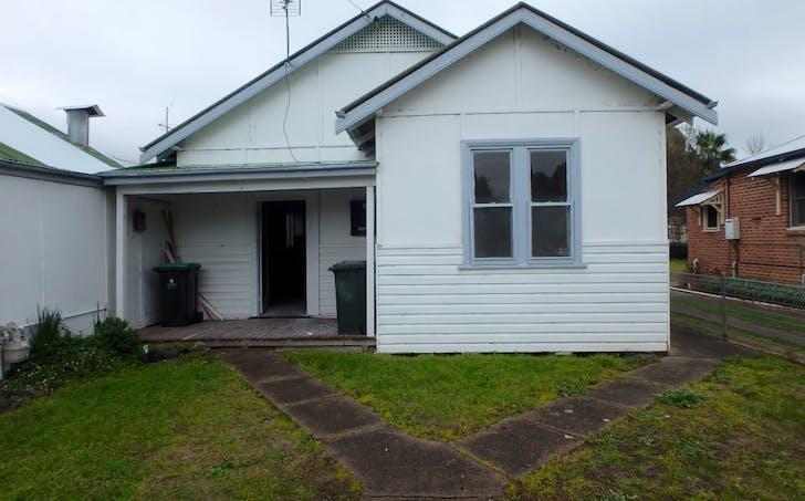 32 West Street, Gundagai, NSW, 2722 - Image 1