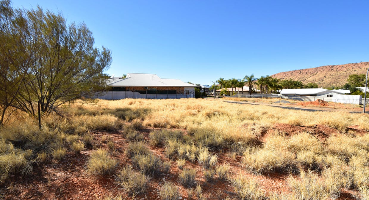 144 and 146 Cromwell Drive, Desert Springs, NT, 0870 - Image 2
