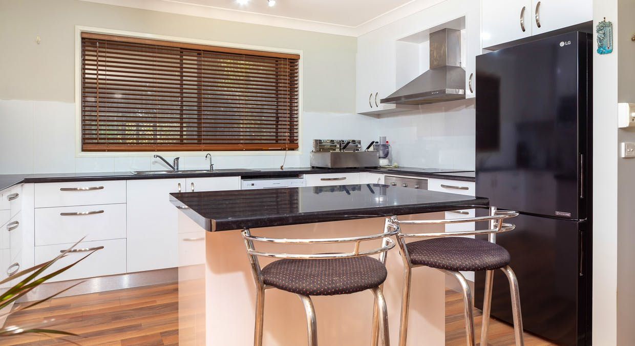 24 Vista Avenue, Catalina, NSW, 2536 - Image 1