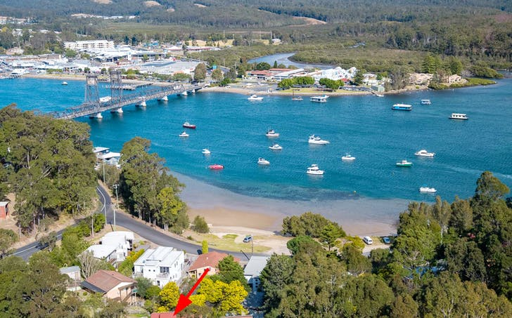 33 Penthouse Place, North Batemans Bay, NSW, 2536 - Image 1