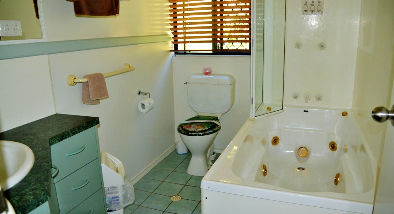 112 Kingfisher Pde, Toogoom, QLD, 4655 - Image 12