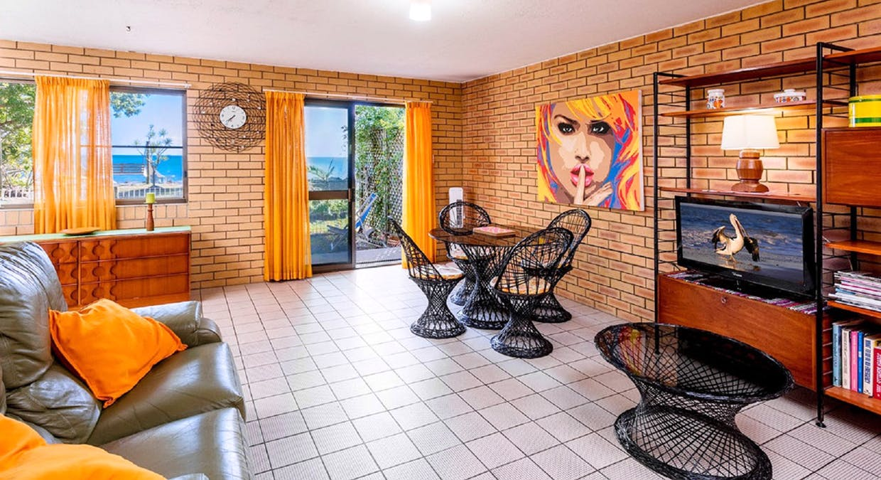Unit 2,4 /56 Esplanade, Burrum Heads, QLD, 4659 - Image 1