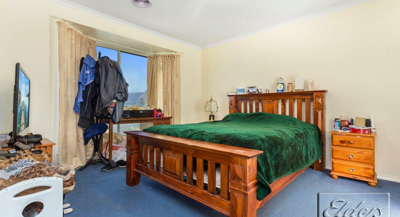 18 Elvey Drive, Kangaroo Flat, VIC, 3555 - Image 6