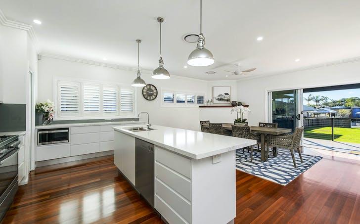 7 Main Street, Crescent Head, NSW, 2440 - Image 1