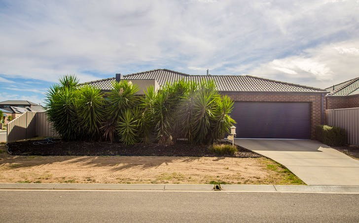 2 of 26 Genevieve Ave, Echuca, VIC, 3564 - Image 1