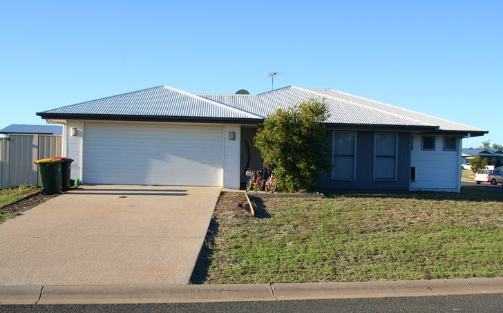 1/32 Lakeside Drive, Emerald, QLD, 4720 - Image 1