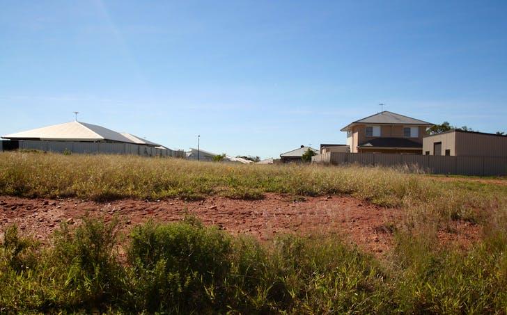 32 Canterbury Road, Emerald, QLD, 4720 - Image 1