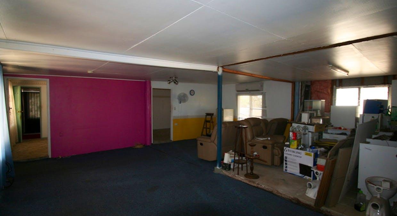 4 Katey Lane, Rubyvale, QLD, 4702 - Image 2