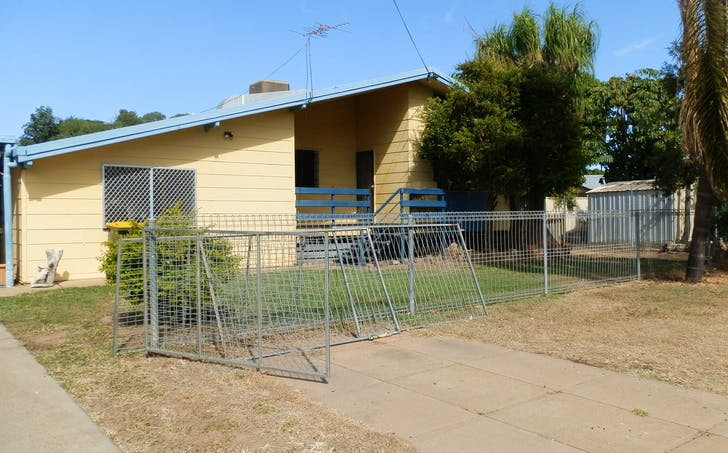 2 Burns Ave, Emerald, QLD, 4720 - Image 1