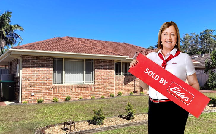 1 / 4 Commodore Place, Tuncurry, NSW, 2428 - Image 1