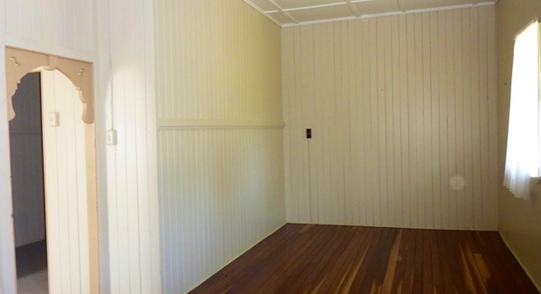 34 Victor Street, Grantham, QLD, 4347 - Image 8
