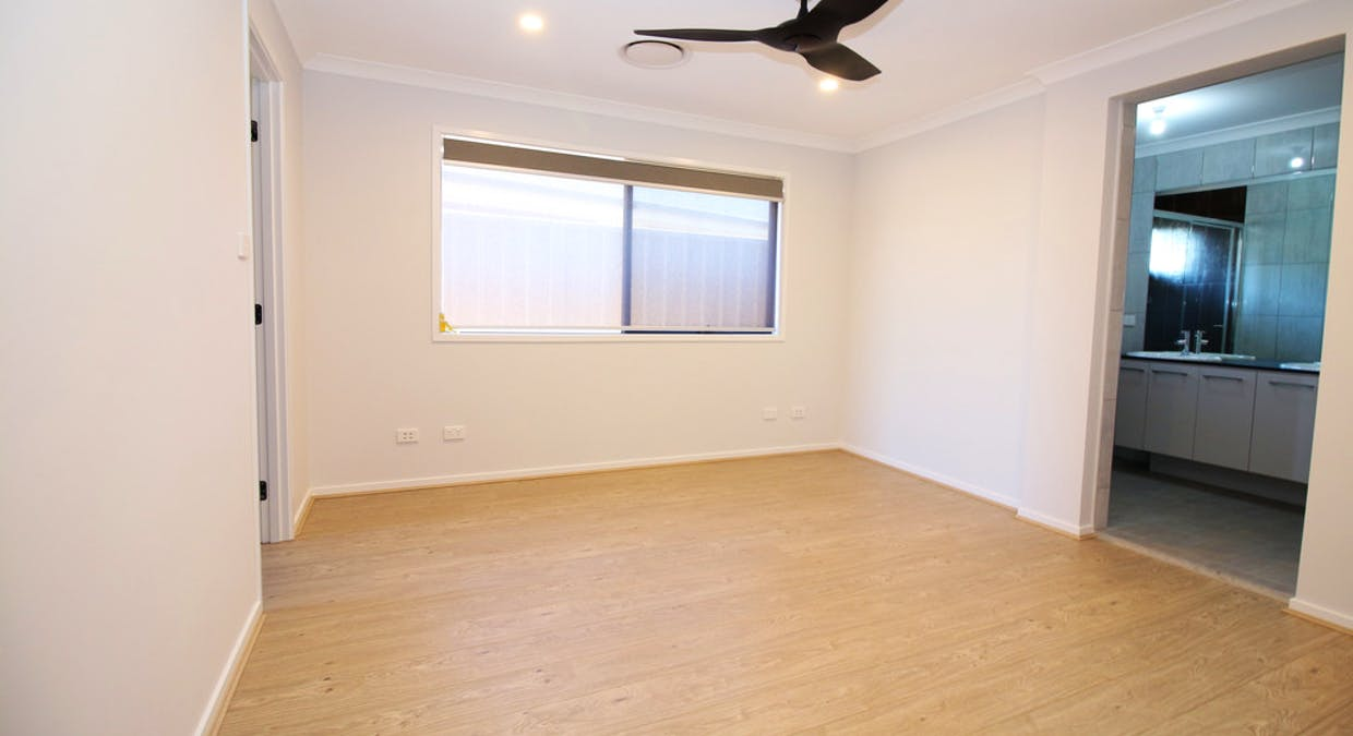 11 Hall Crescent, Yoogali, NSW, 2680 - Image 6
