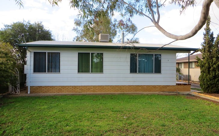 7 Wilga Street, Hanwood, NSW, 2680 - Image 1