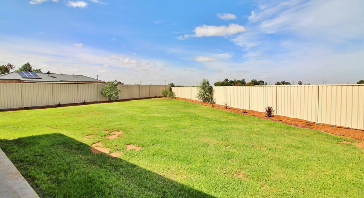 11 Hall Crescent, Yoogali, NSW, 2680 - Image 12