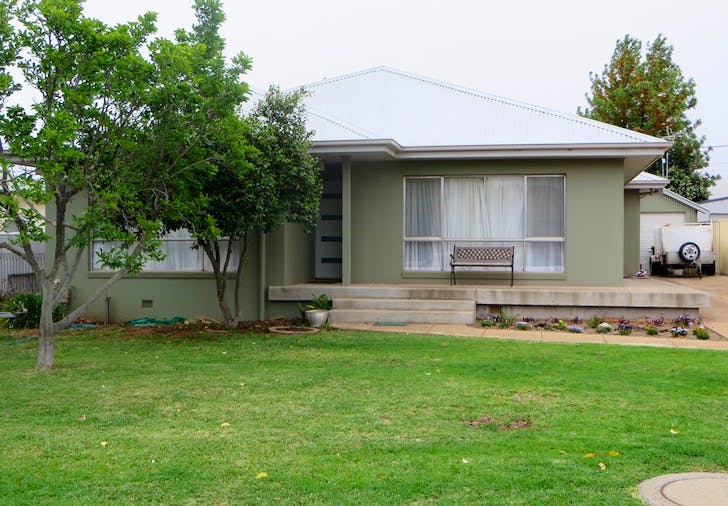 9 Almoola, Griffith, NSW, 2680