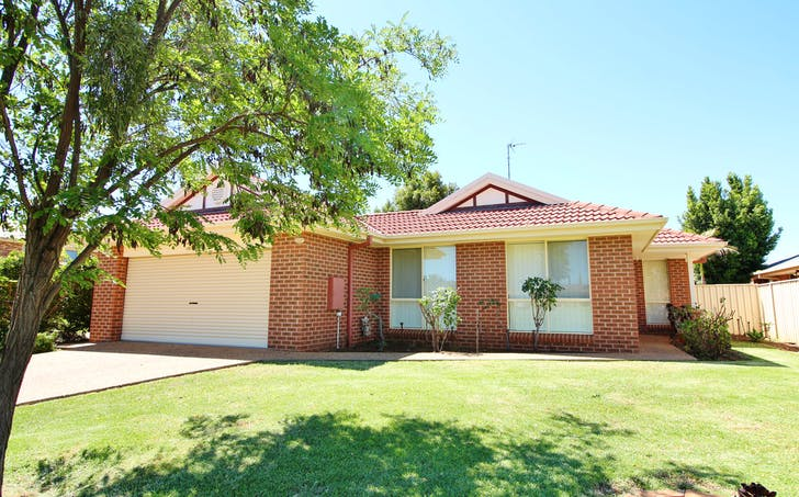 22 Dunvarleigh Crescent, Griffith, NSW, 2680 - Image 1