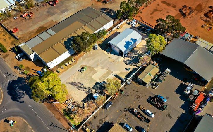 8 Paxton Street, Willaston, SA, 5118 - Image 1