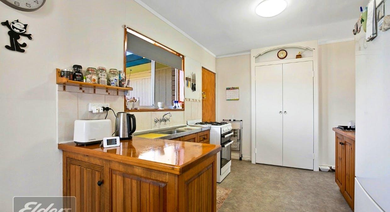 12 Woolgar Road, Southside, QLD, 4570 - Image 5