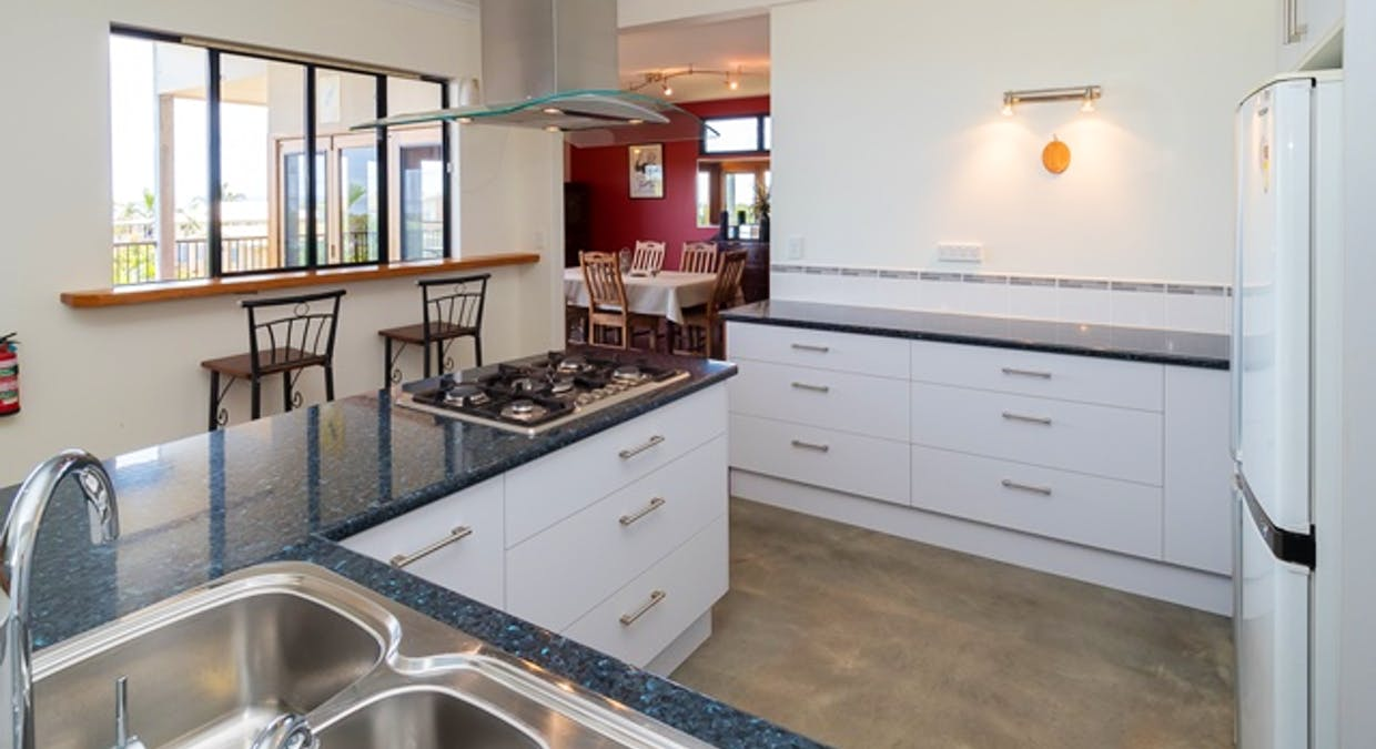 5 Blue Water Drive, Booral, QLD, 4655 - Image 7