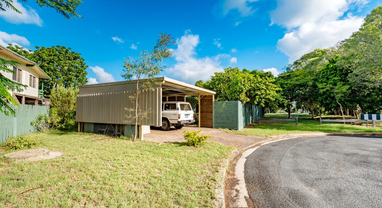 51 William Street, Urangan, QLD, 4655 - Image 2