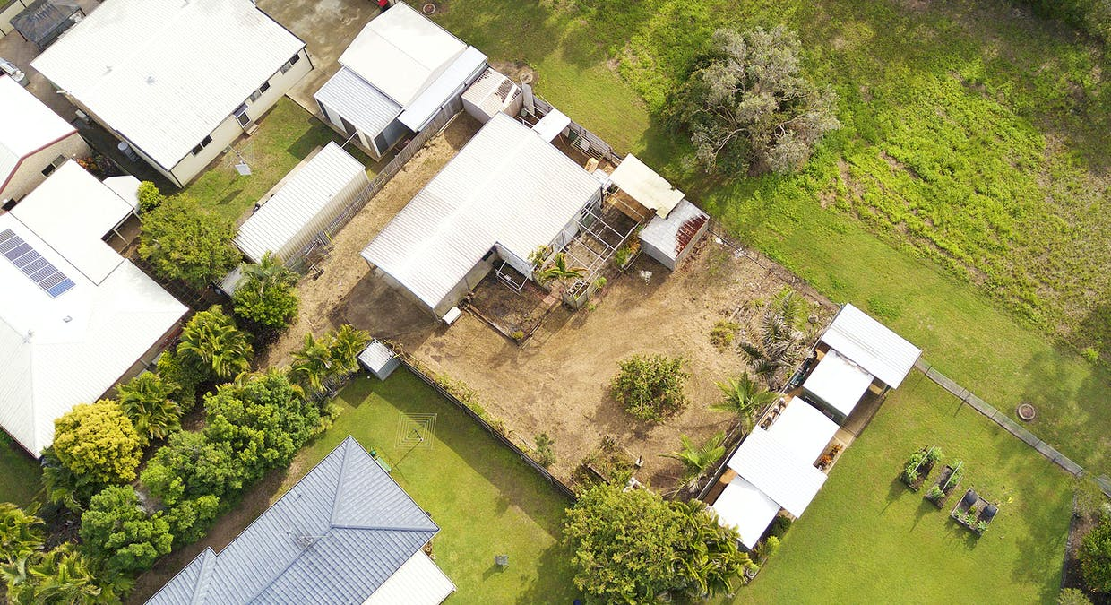 4 Jennylee Close, Urangan, QLD, 4655 - Image 2