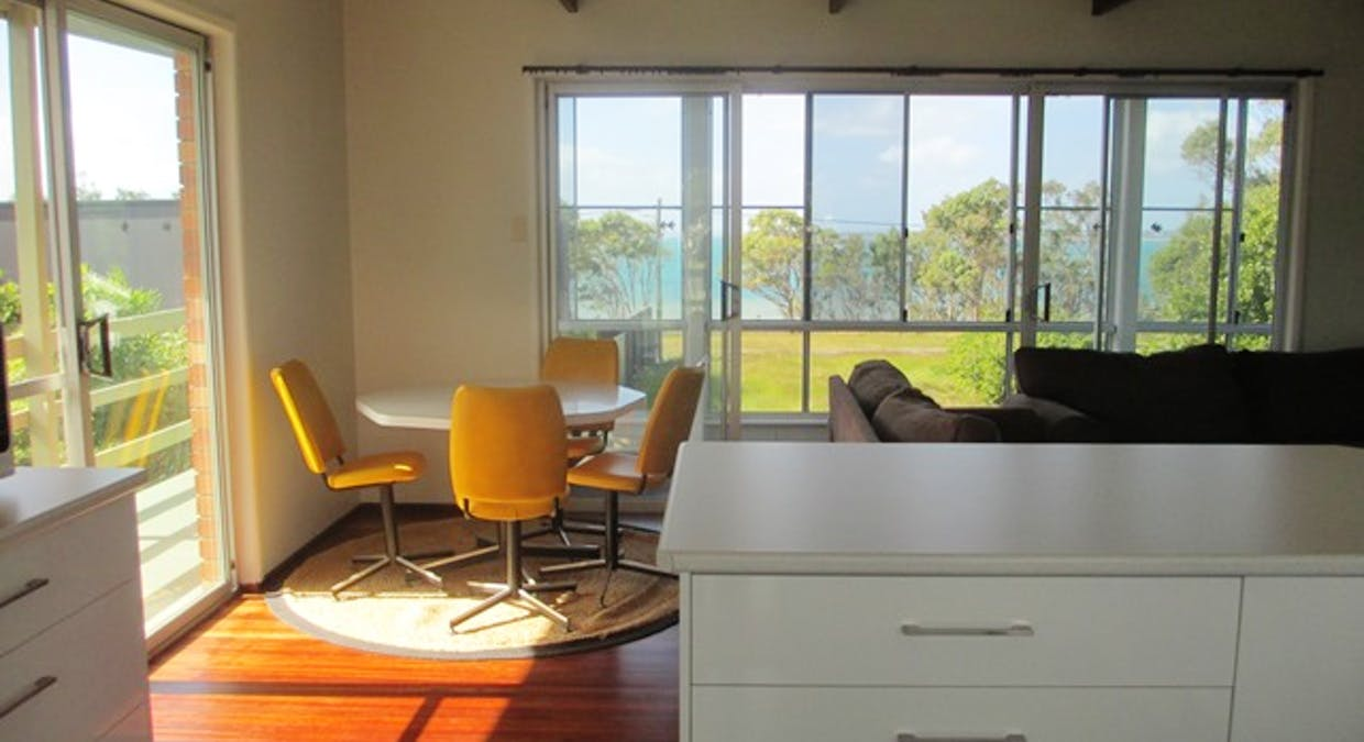 18 Flinders Street, Point Vernon, QLD, 4655 - Image 1